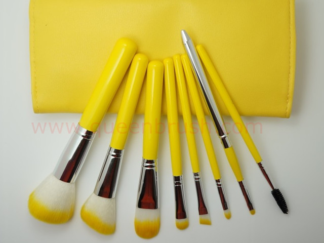 8pcs Travel Kit Bright Yellow Makeup Brush Set Queen